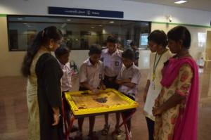 அசோக் நகர் மெட்ரோ நிலையத்தில் மாதக் கால பாரம்பரிய விளையாட்டு நிகழ்வு